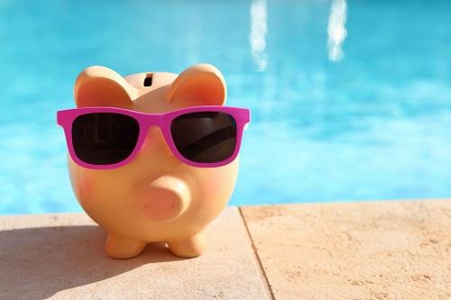 Play piggy next to pool